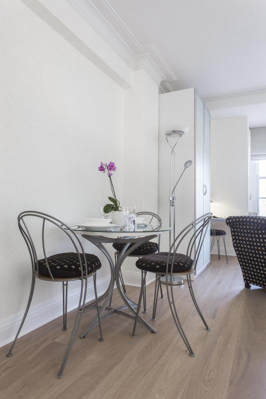 One Fine Stay - Grosvenor Street Studio apartment - Image 1 - London - rentals