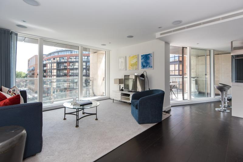 One Fine Stay - Grosvenor Waterside apartment - Image 1 - London - rentals