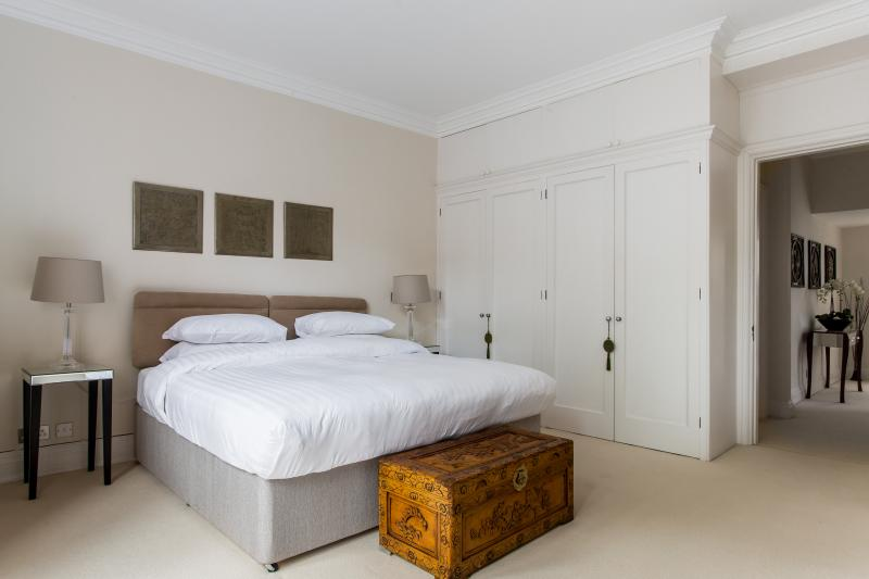 onefinestay - Hans Place private home - Image 1 - London - rentals