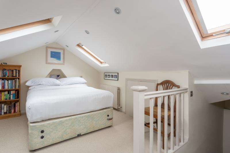 One Fine Stay - Iffley Road III apartment - Image 1 - London - rentals