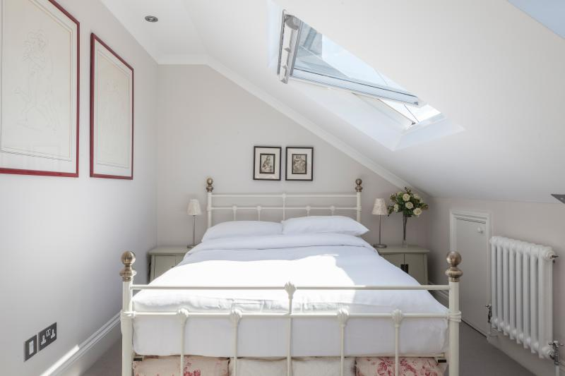 onefinestay - Keildon Road private home - Image 1 - London - rentals