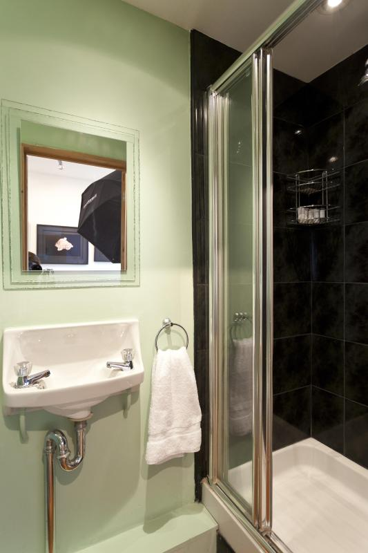 One Fine Stay - Ledbury Road apartment - Image 1 - London - rentals