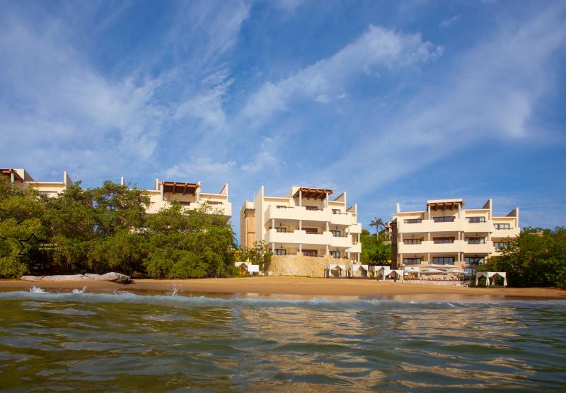 2 Bedroom Beachfront Residence - Image 1 - Huatulco - rentals