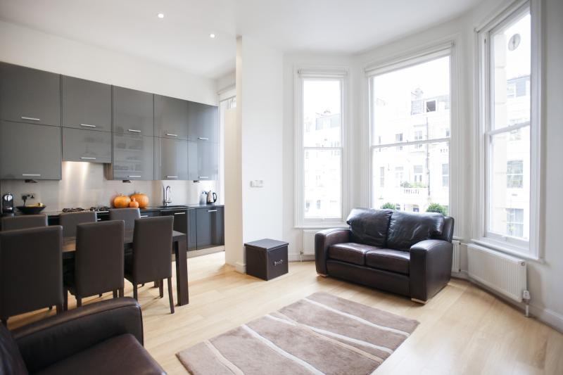 onefinestay - Longridge Road apartment - Image 1 - London - rentals