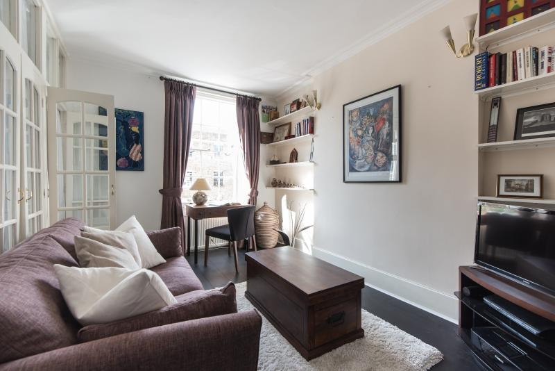 One Fine Stay - Coram's Fields - Image 1 - London - rentals
