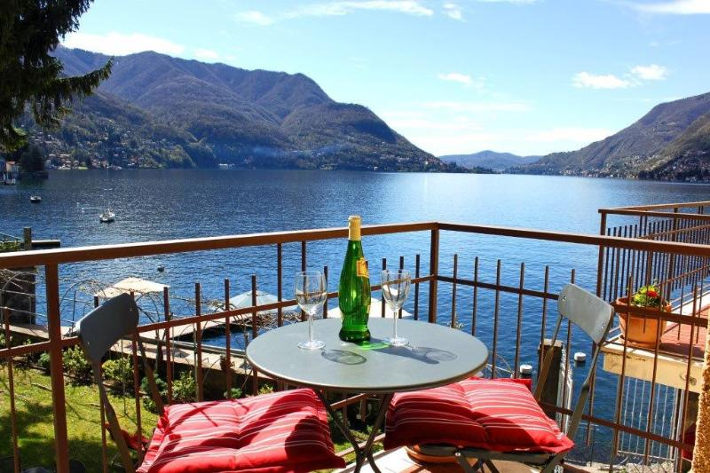 Stunning views of Lake Como form the private balcony  French doors  and living room. Magical ! - WATERFRONT - PRIVATE BEACH -  Villa Panoramica  - - Como - rentals