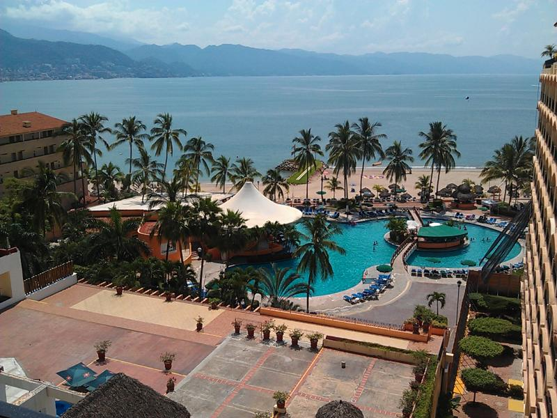 Breathtaking beauty awaits - Casa Margarita Beachfront Condo in Sea River Tower - Puerto Vallarta - rentals
