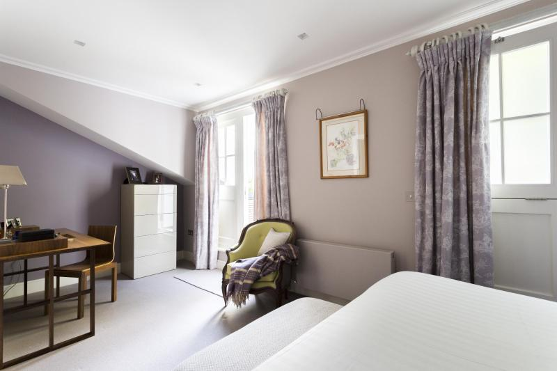 onefinestay - Petersham Mews II private home - Image 1 - London - rentals