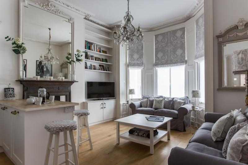 onefinestay - Powis Gardens III private home - Image 1 - London - rentals