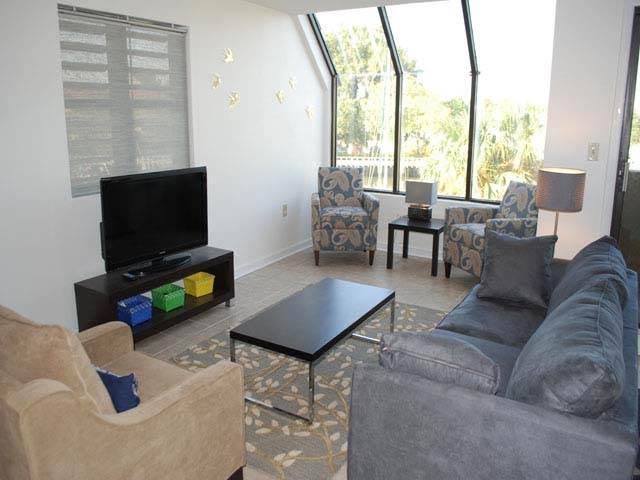 HS7112 - Image 1 - Hilton Head - rentals