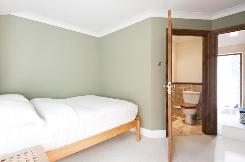onefinestay - Streatley Place apartment - Image 1 - London - rentals