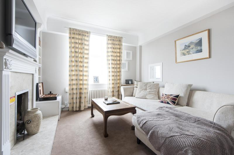 onefinestay - Sutton Lane North private home - Image 1 - London - rentals