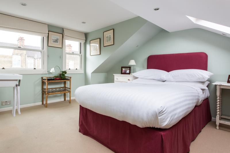 One Fine Stay - Venn Street apartment - Image 1 - London - rentals