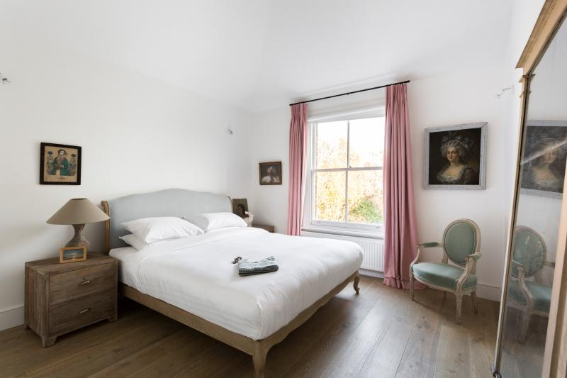 onefinestay - Wallingford Avenue IV private home - Image 1 - London - rentals