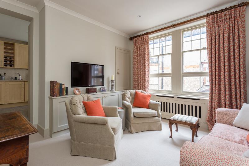 One Fine Stay - Walton Street VII apartment - Image 1 - London - rentals