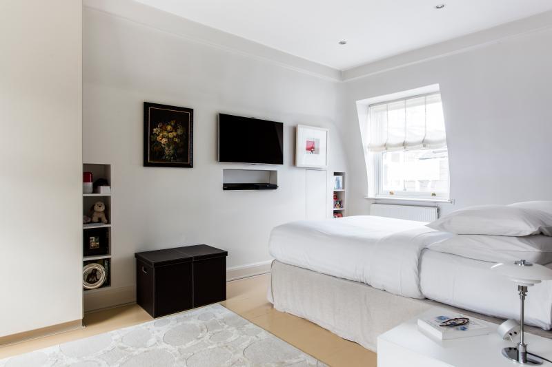 Warwick Gardens III - Image 1 - London - rentals