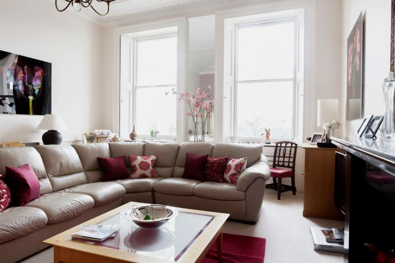 onefinestay - Warwick Square private home - Image 1 - London - rentals