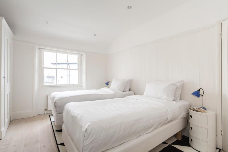 One Fine Stay - Westbourne Park Road VIII apartment - Image 1 - London - rentals