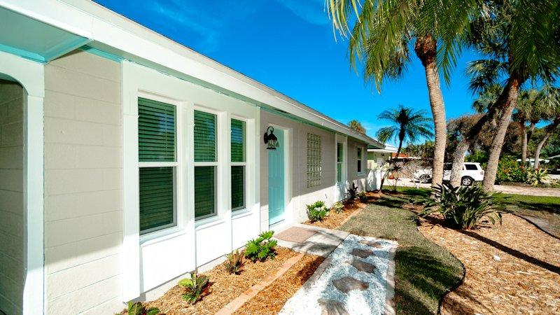 Step inside to your Coastal Retreat! - Aqua Maria - Holmes Beach - rentals