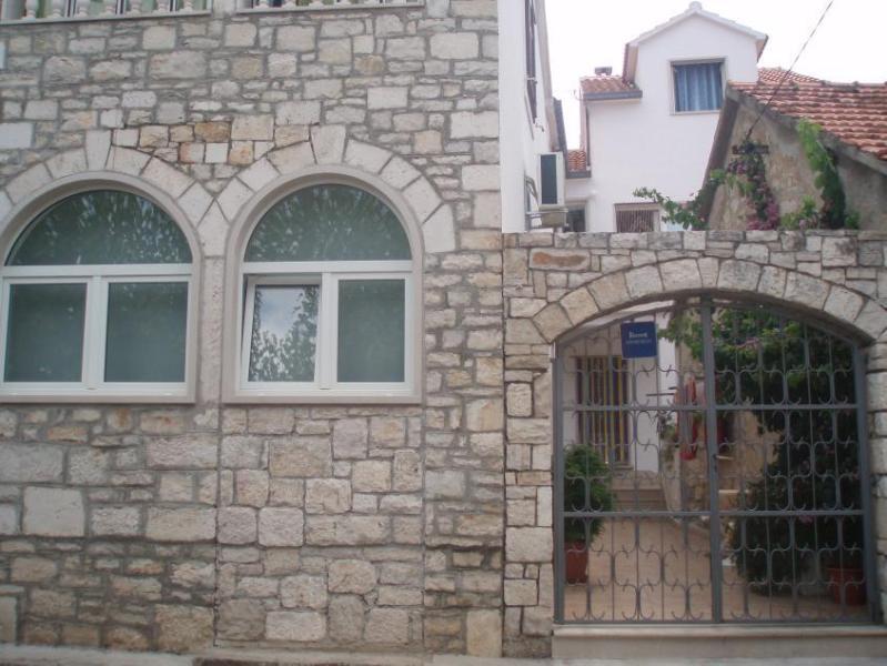 house - 07601SUPE  A1 gornji(4+1) - Supetar - Supetar - rentals