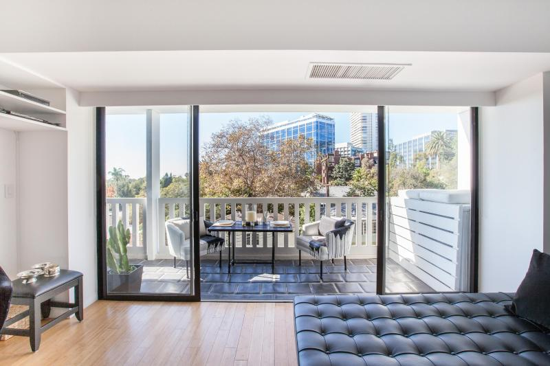 One Fine Stay - Doheny Drive - Image 1 - Los Angeles - rentals