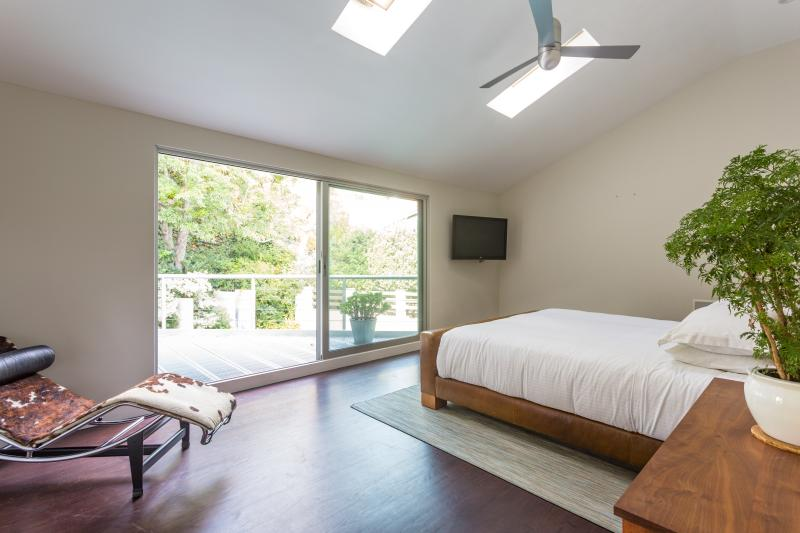 onefinestay - Ledgewood Drive private home - Image 1 - Los Angeles - rentals