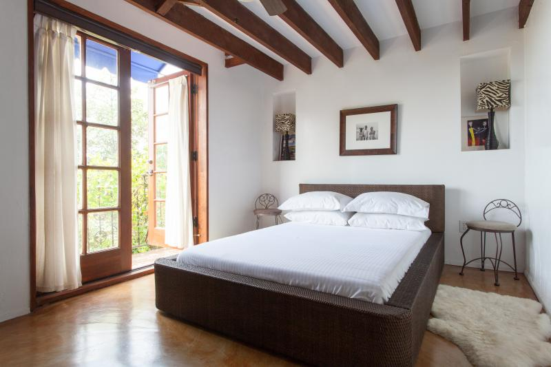 onefinestay - North Gramercy Place private home - Image 1 - Los Angeles - rentals