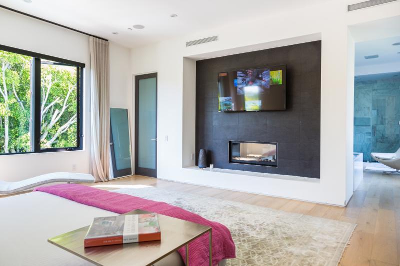 One Fine Stay - Oakwood Avenue - Image 1 - Los Angeles - rentals