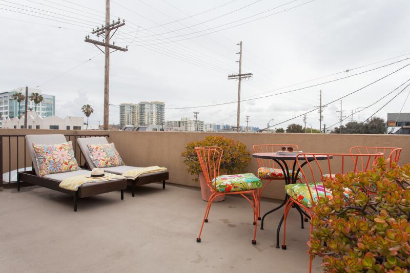 onefinestay - Venice Beach Walk Street private home - Image 1 - Venice Beach - rentals