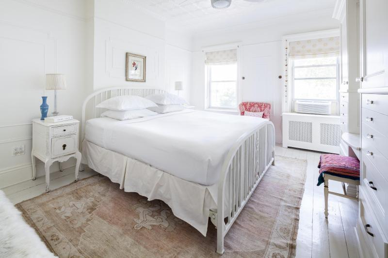 One Fine Stay - 3rd Street IV apartment - Image 1 - Brooklyn - rentals