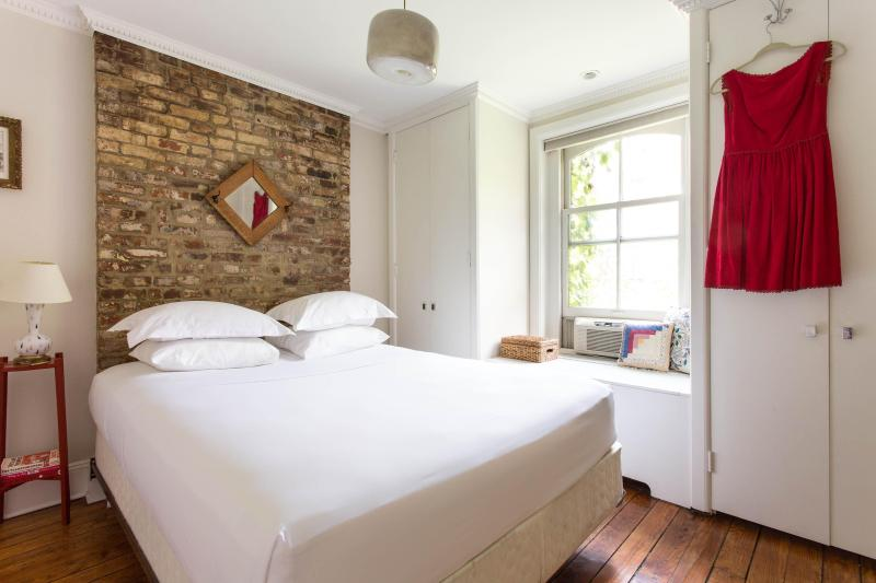 onefinestay - Warren Place Townhouse private home - Image 1 - New York City - rentals