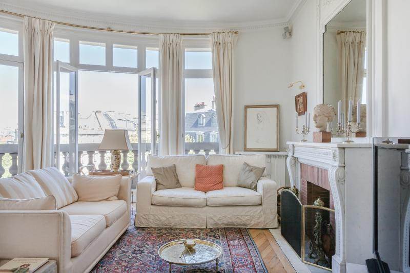 onefinestay - Avenue de la Bourdonnais III private home - Image 1 - Paris - rentals