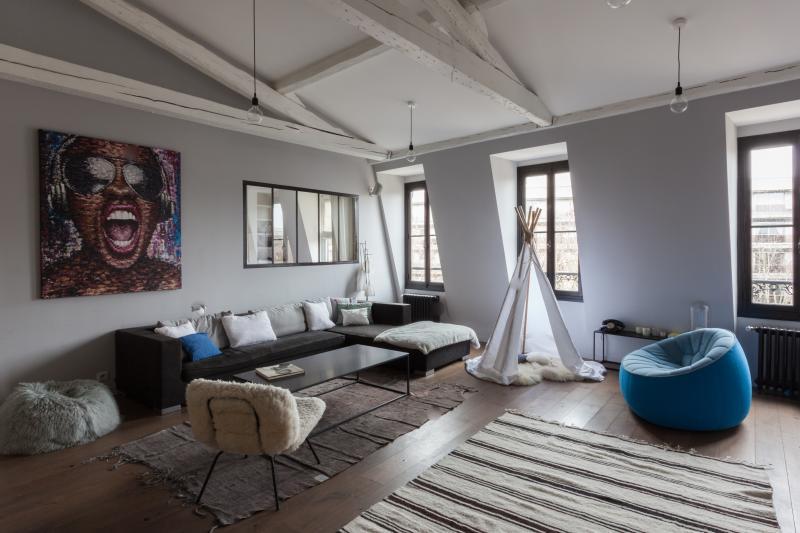 One Fine Stay - Avenue Sainte-Foy apartment - Image 1 - Paris - rentals