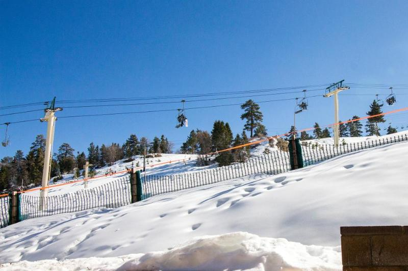 Peaceful condo w/ shared hot tub - steps from ski lifts! - Image 1 - Big Bear Lake - rentals