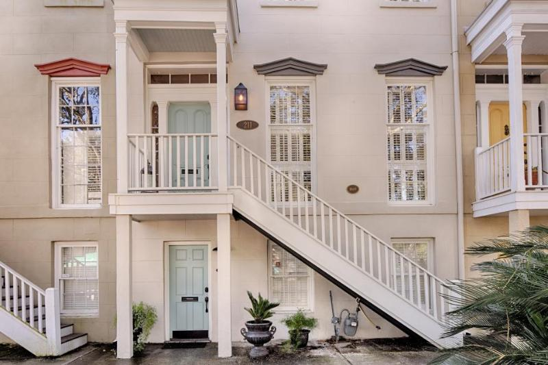 Historic townhouse w/shared courtyard near Forsyth Park! - Image 1 - Savannah - rentals