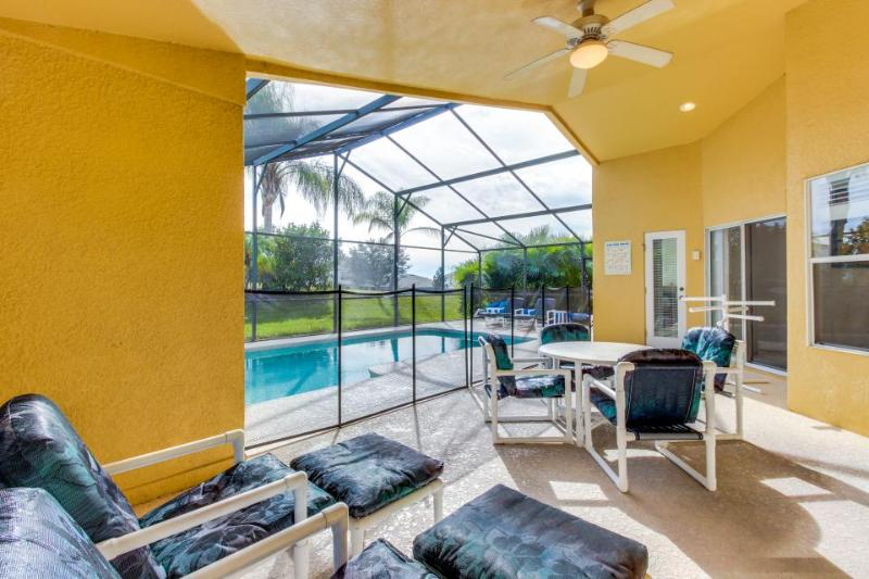 Single-level house w/ private pool & hot tub near Disney! Snowbirds welcome! - Image 1 - Davenport - rentals