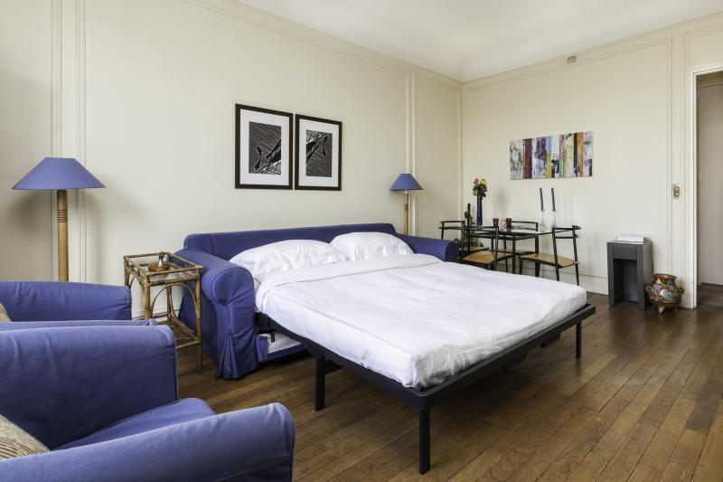 onefinestay - Rue Copernic private home - Image 1 - Paris - rentals