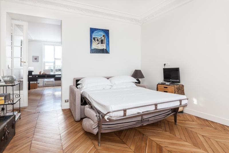 onefinestay - Rue d'Amsterdam private home - Image 1 - Paris - rentals