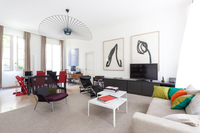 One Fine Stay - Rue de Beauce apartment - Image 1 - Paris - rentals