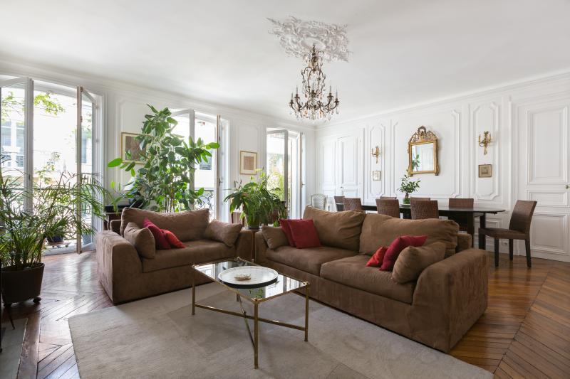 onefinestay - Rue de Berri private home - Image 1 - Paris - rentals
