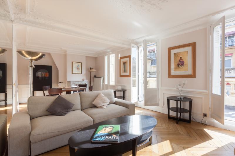 Rue de Berri II - Image 1 - Paris - rentals