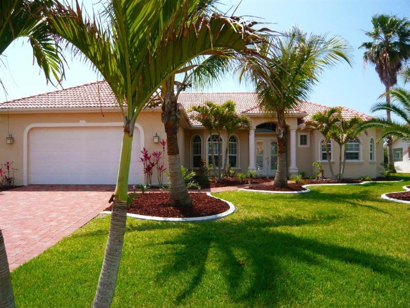 Villa Cape Florida - Luxury waterfront vacation villa in Cape Coral. - Cape Coral - rentals