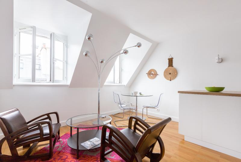 onefinestay - Rue de Caumartin private home - Image 1 - Paris - rentals