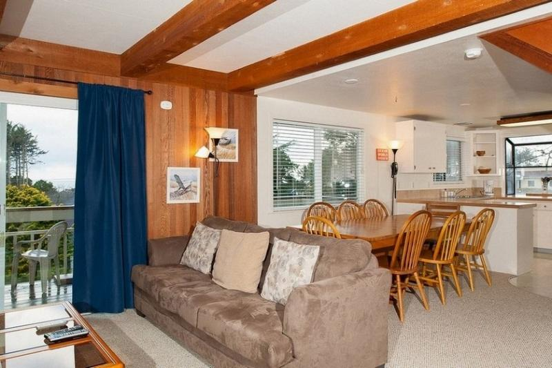 Pad On Port ~ RA5847 - Image 1 - Lincoln City - rentals