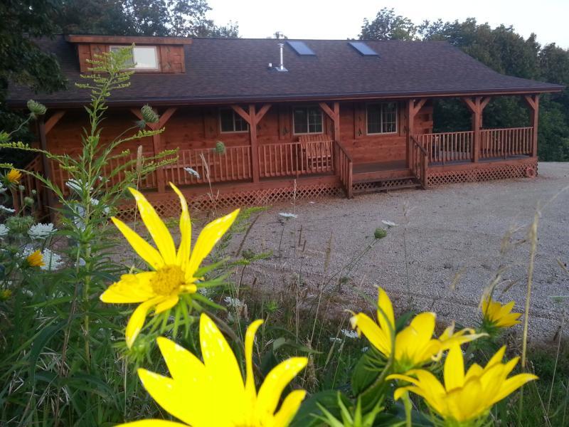 Burr Oak Log Cabin - Image 1 - Harpers Ferry - rentals