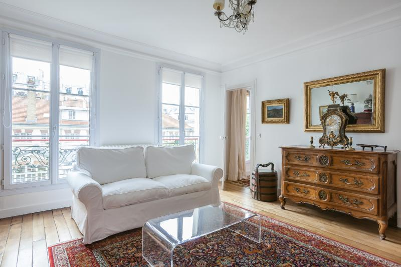 onefinestay - Rue des Martyrs V private home - Image 1 - Paris - rentals