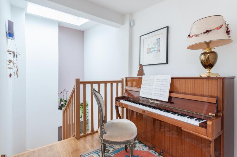 onefinestay - Rue La Bruyère apartment - Image 1 - Paris - rentals