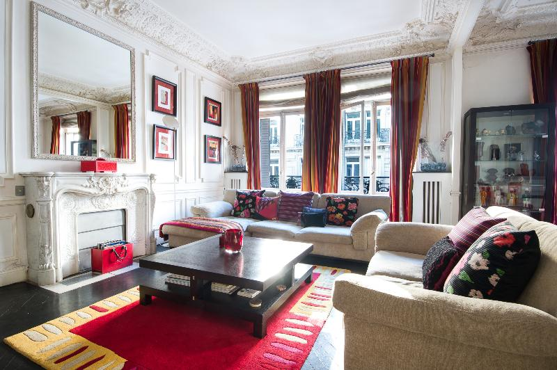 onefinestay - Rue Marbeuf private home - Image 1 - Paris - rentals