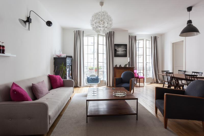 onefinestay - Rue Mizon private home - Image 1 - Paris - rentals