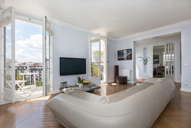 onefinestay - Rue Perrée private home - Image 1 - Paris - rentals